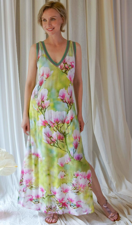 Icke Berlin Frühjahr-Sommer-2021-Kollektion-Kleid Magnolien